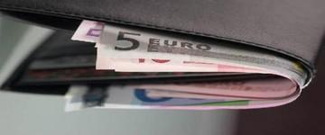 Ανάσα δανειοληπτών από την απροσδόκητη μείωση του ευρω-επιτοκίου