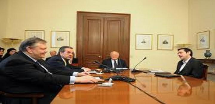 O K. Παπούλιας αποκαλύπτει ότι έγιναν αναλήψεις 800 εκατ. ευρώ σε μια εβδομάδα