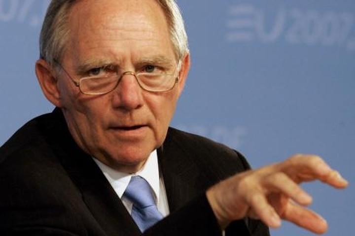 Σόιμπλε: Θέλουμε την Ελλάδα στο ευρώ, αλλά να τηρήσει τις δεσμεύσεις της