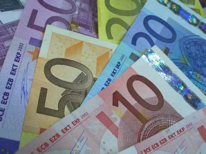 'Υπέρ' του ευρώ 3 στους 4 Έλληνες