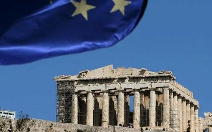 """NY Times: """"Στεγνώνει"""" από ρευστό η Ελλάδα"""