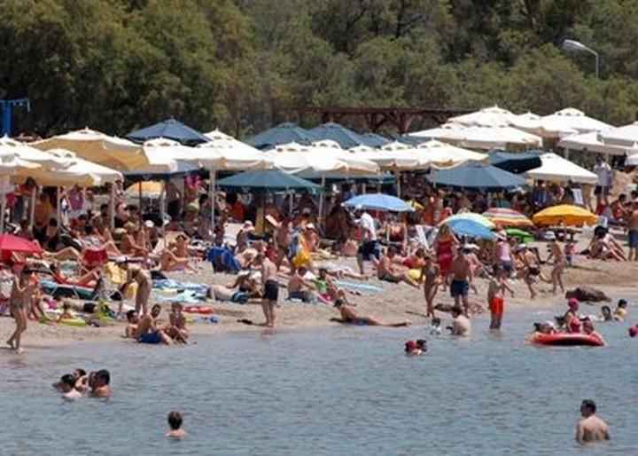 """""""Η μείωση έσοδων στον τουρισμό θα φτάσει στο 15%"""""""