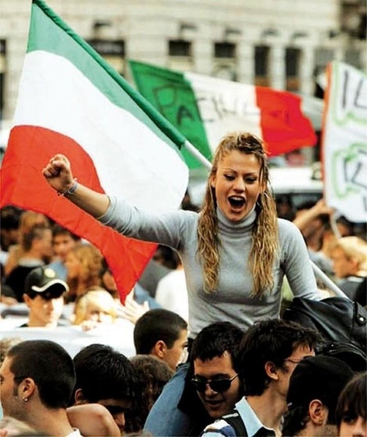 Υπέρ της Ελλάδας, Ιταλοί πολιτικοί και διανοούμενοι