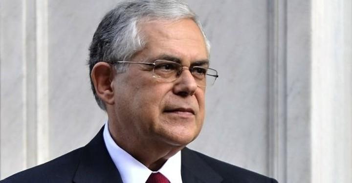 Παπαδήμος: Καταστροφική η έξοδος της Ελλάδας από το ευρώ
