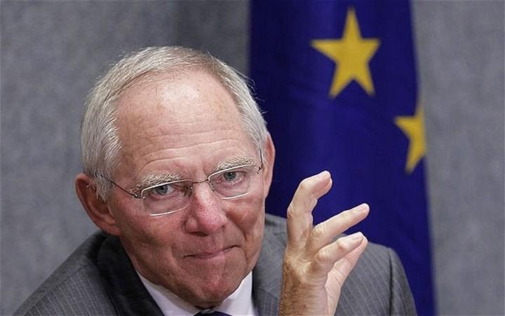 Σόιμπλε: To πρόγραμμα της Ελλάδας δεν εφαρμόζεται
