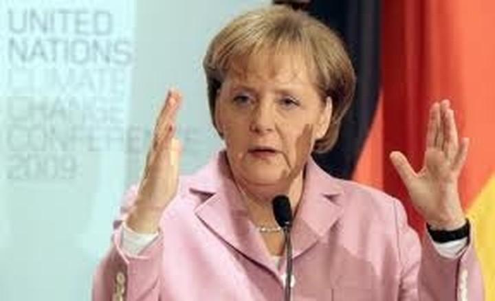Μέρκελ: Η Ευρώπη πρέπει να προχωρήσει βήμα-βήμα προς την πολιτική ενοποίηση