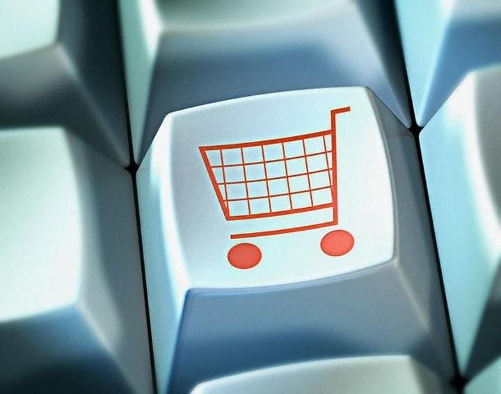 Aνεβαίνει σταθερά το ηλεκτρονικό εμπόριο