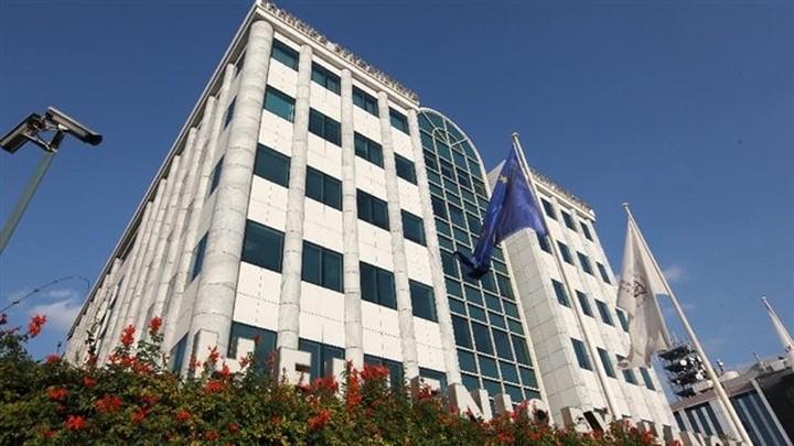 Πέφτει  4% o γενικός δείκτης και στην Αθήνα