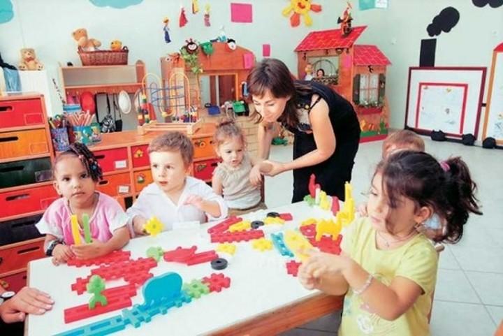 Ποιοι μπορούν έως την Δευτέρα να κάνουν αίτηση για τους παιδικούς σταθμούς ΟΑΕΔ