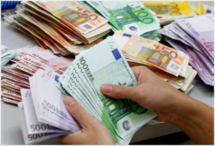6,8 δισ. χρωστάει το δημόσιο σε ιδιώτες