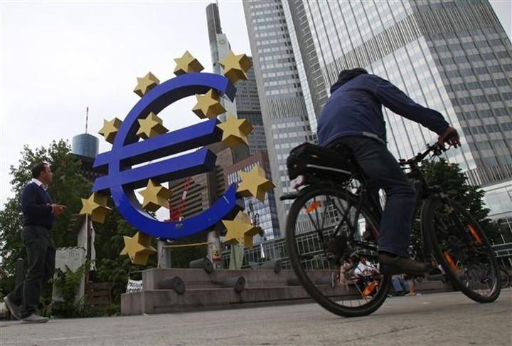 Έκκληση ΔΝΤ να δεχτεί η ΕΚΤ τις απώλειες από το ελληνικό χρέος