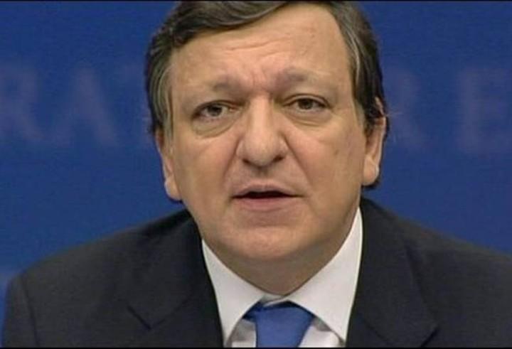 Στηρίζει την Αθήνα, πιέζει για το Μνημόνιο ο Μπαρόζο