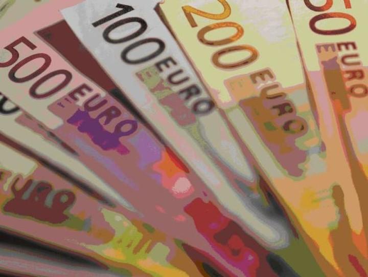 Νέο αίτημα προς Ελβετία για τη φορολόγηση καταθέσεων