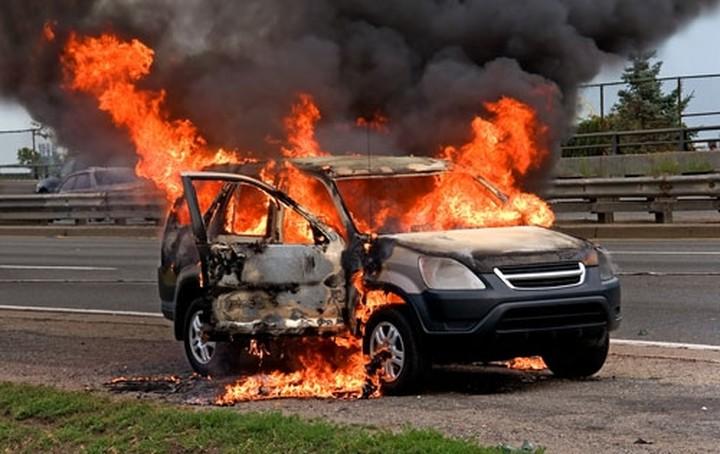 Δήλωσε κλοπή και έκαψε το αυτοκίνητό του για να αποζημιωθεί από την ασφάλεια