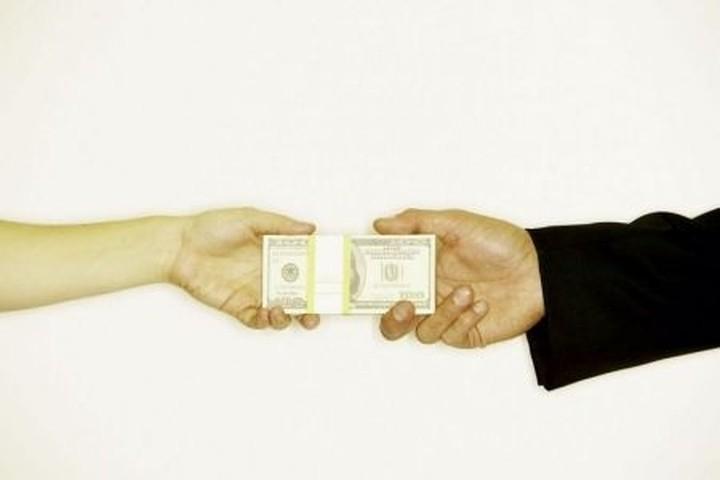 Εισαγγελική παρέμβαση για τη «φυγή» 8 εκατ. ευρώ από στέλεχος της ΑΤΕ