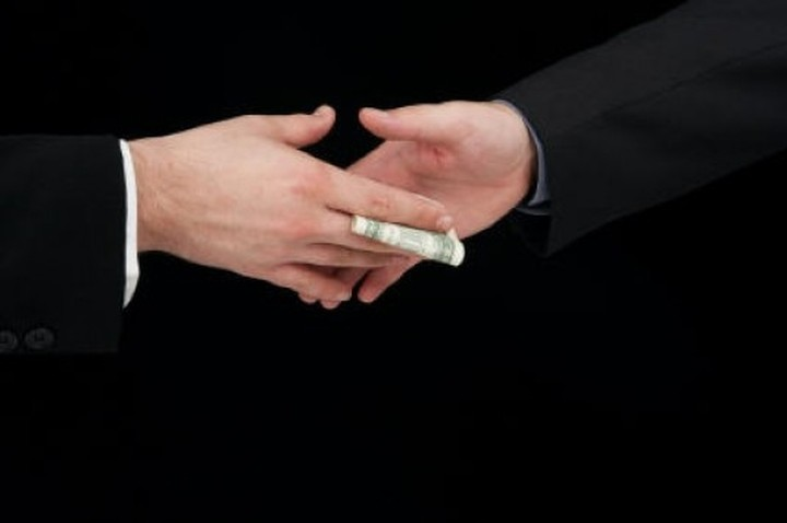 Αγώνας για να χτυπηθεί ουσιαστικά η διαφθορά στο Δημόσιο