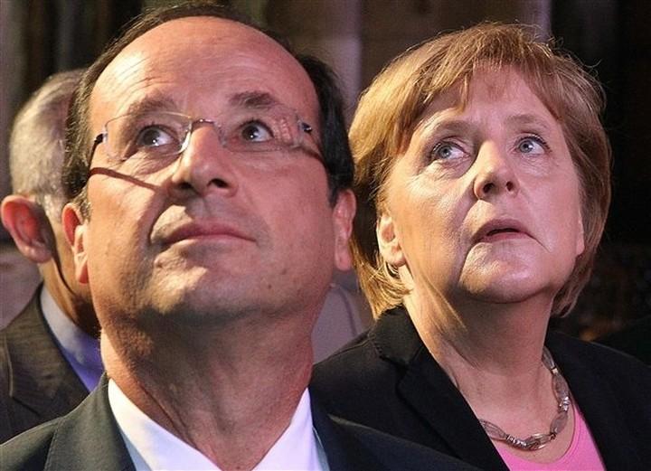 Συνάντηση Μέρκελ - Ολάντ στις 23 Αυγούστου στο Βερολίνο