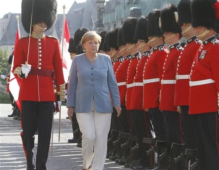 Mέρκελ: Ο Καναδάς είναι πρότυπο «οικονομίας που δεν ζει με δανεικά»