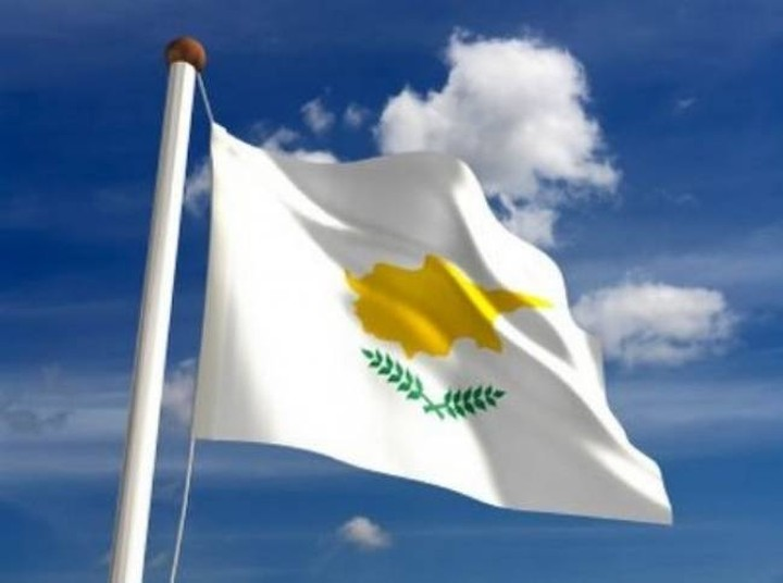 Θετικά βλέπουν στην Κύπρο τα σενάρια για νέο «κούρεμα» του ελληνικού χρέους