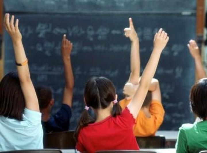 Πώς μπορείτε να προσφέρετε σχολικά είδη για τα παιδιά που έχουν ανάγκη