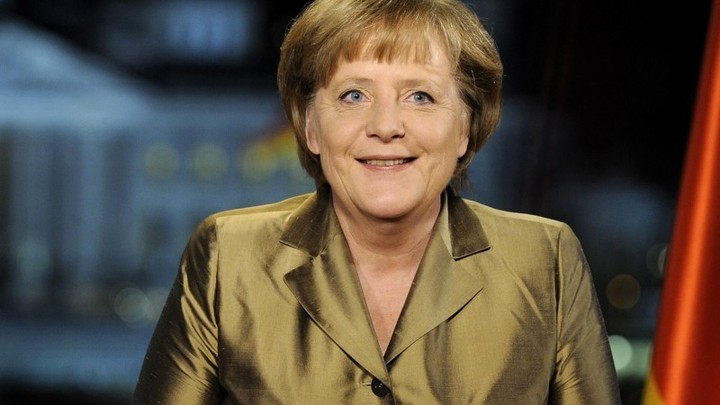 Merkel: Η Ελλάδα πρέπει να τηρήσει τις δεσμεύσεις της