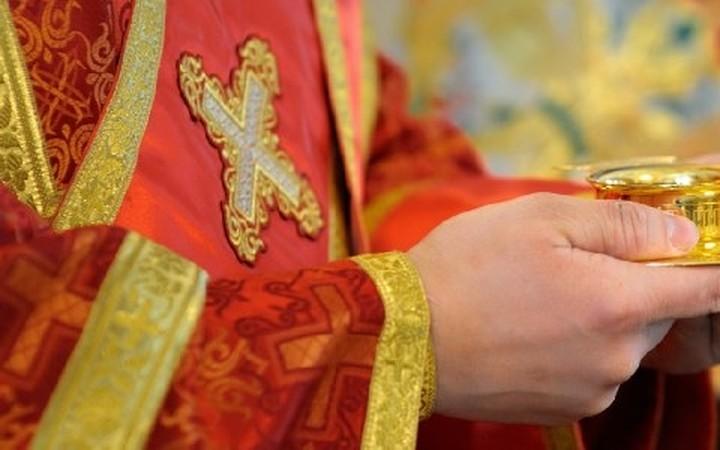 Εξαπατούσαν κληρικούς προσποιούμενοι εκπροσώπους του Ταμείου τους