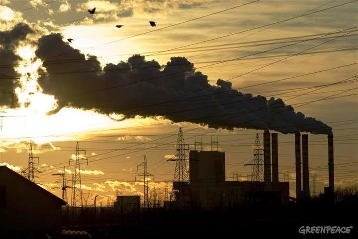 ΔΕΗ : Δανείζεται για επενδύσεις σε λιγνίτη στον αιώνα των ανανεώσιμων πηγών ;
