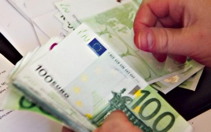 54.000 Έλληνες έβγαλαν στο εξωτερικό 22 δισ. ευρώ