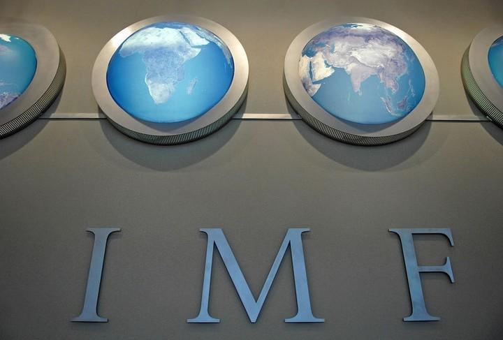 ΔΝΤ: H λύση της κρίσης στην Ελλάδα απαιτεί σημαντικές περικοπές