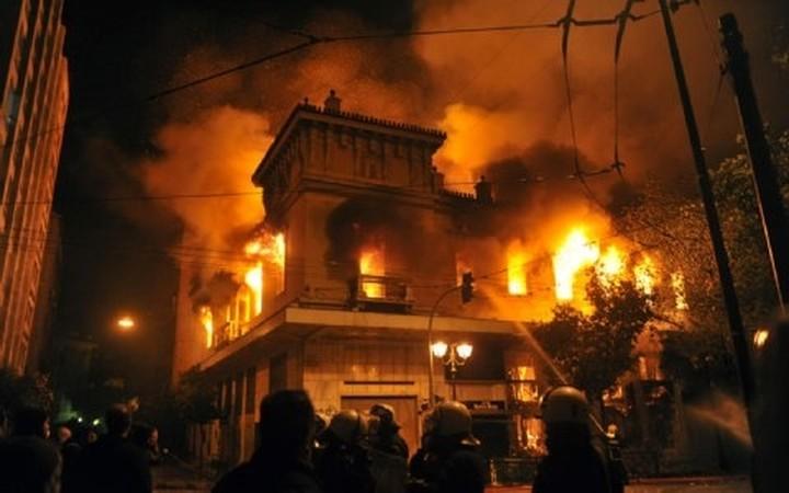 Αποζημιώσεις στους καταστηματάρχες για ζημιές από  επεισόδια στην Αθήνα
