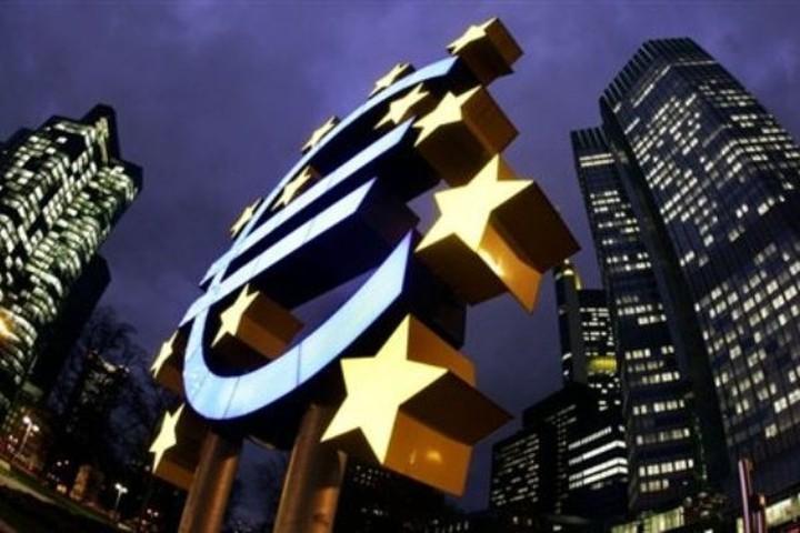 Διαψεύδει η ΕΚΤ ότι θα αποχωρήσει από την τρόικα