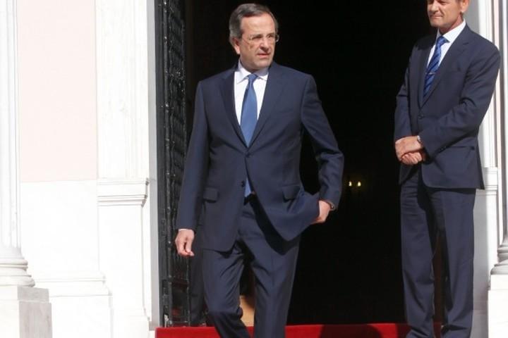 Financial Times: Διένεξη κυβέρνησης - τρόικας για τις απολύσεις στο Δημόσιο