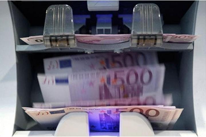 Απόσυρση 380 εκατ. ευρώ από την Κύπρο εν μέσω περιορισμών