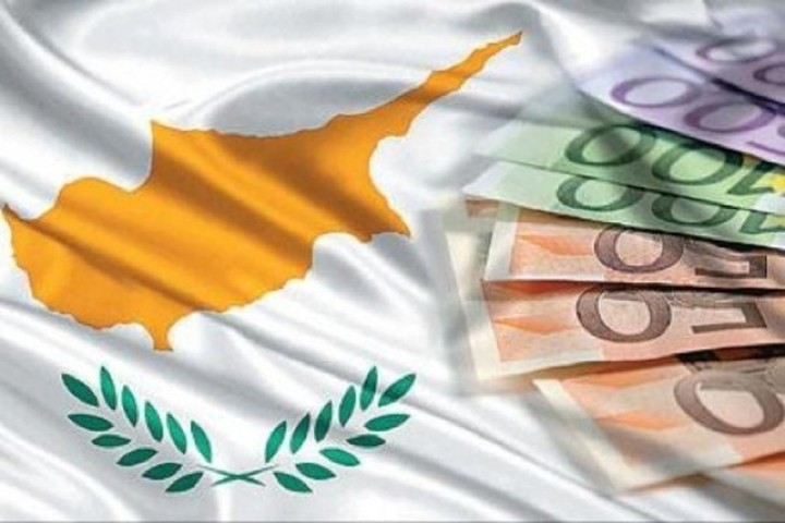 Παρατείνονται οι περιορισμοί στις τραπεζικές συναλλαγές στην Κύπρο