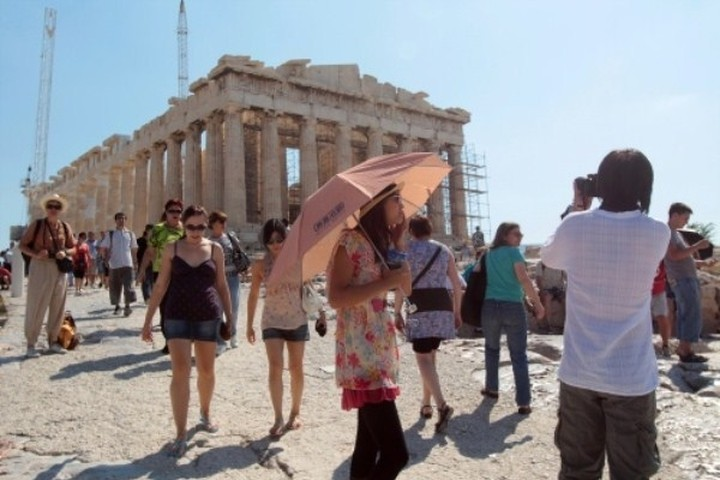 "Wall Street Journal:""Ασφαλής προορισμός η Ελλάδα"""