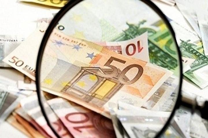 Στα χέρια της «εφορίας» 33 εκατ. τραπεζικοί λογαριασμοί