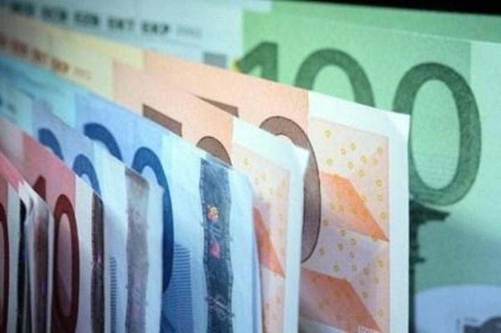 Λιμνάζουν στα ταμεία των Περιφερειών 1,45 δισ. ευρώ