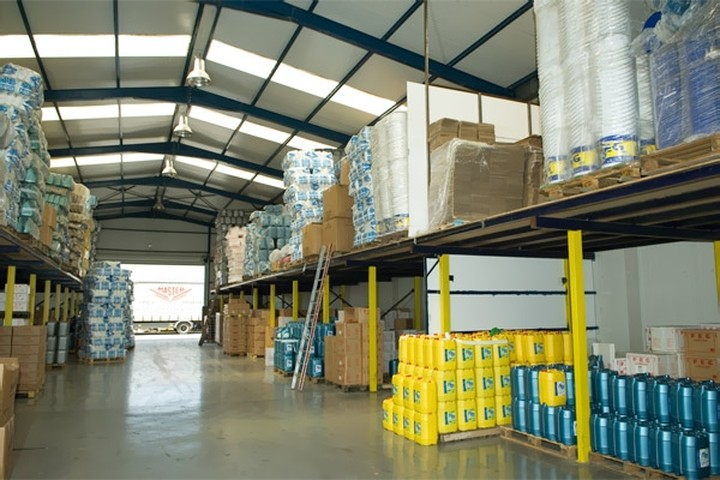 Μείωση 2,7% τις τιμές εισαγωγών στη βιομηχανία το Μάιο