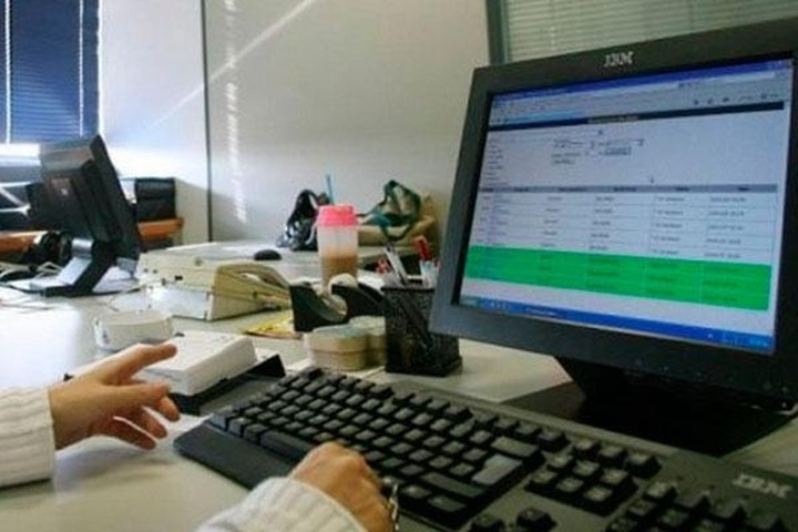 Τέσσερα εκατομμύρια φορολογικές δηλώσεις έχουν υποβληθεί μέσω του TAXISnet