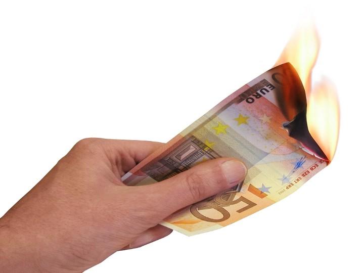 Πρόστιμο έως και 1600 ευρώ σε όσους κάνουν εκπρόθεσμη δήλωση