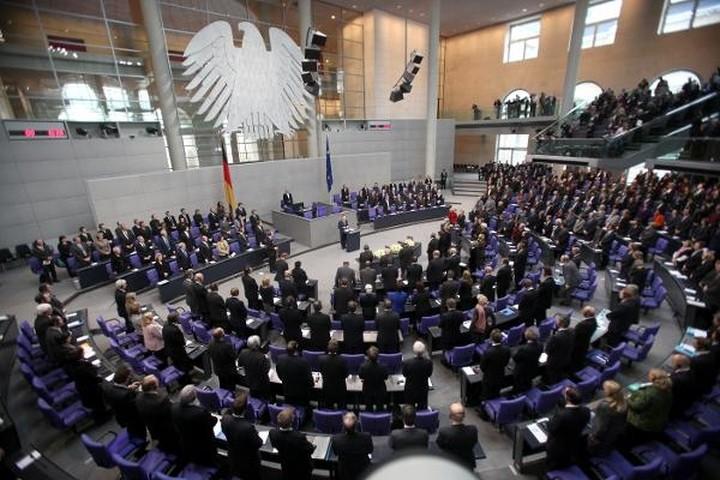 """""""Πράσινο φως"""" από Γερμανική Βουλή για τη δόση"""