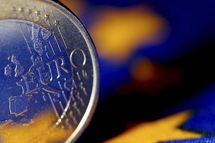 Σημάδια... ανάπτυξης για 1η φορά μετά από 18 μήνες στην ευρωζώνη