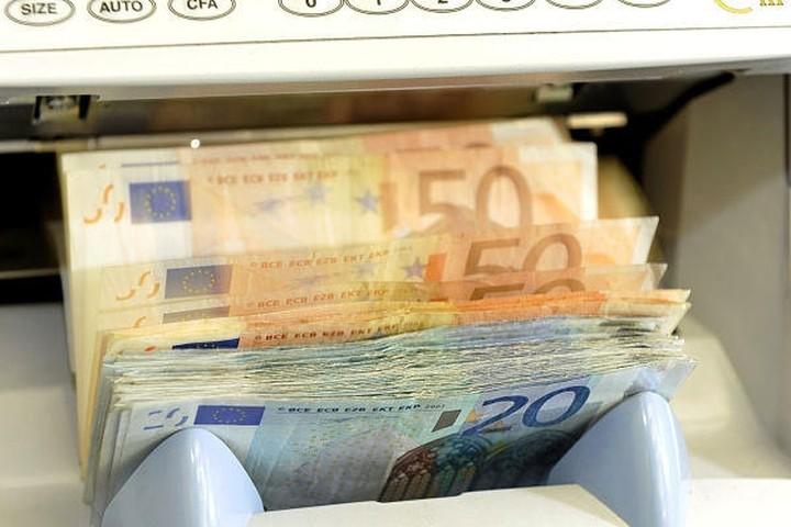 Στα 921 ευρώ το μέσο μηνιαίο εισόδημα από σύνταξη