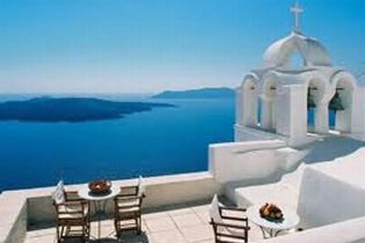 Αδικαιολόγητα αυξημένες απολύσεις σε τουριστικές επιχειρήσεις