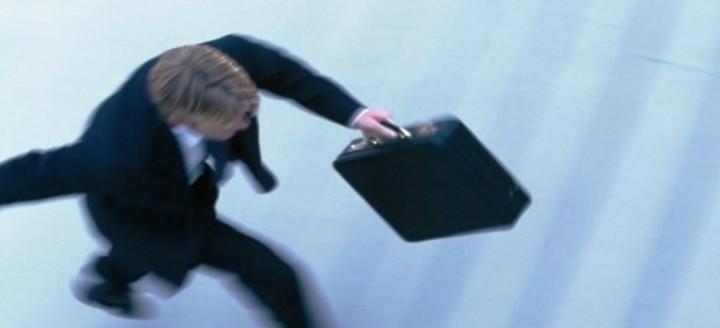 """Νέες απολύσεις και """"λουκέτα"""" στο δημόσιο. Πως και πότε θα γίνουν!!!"""