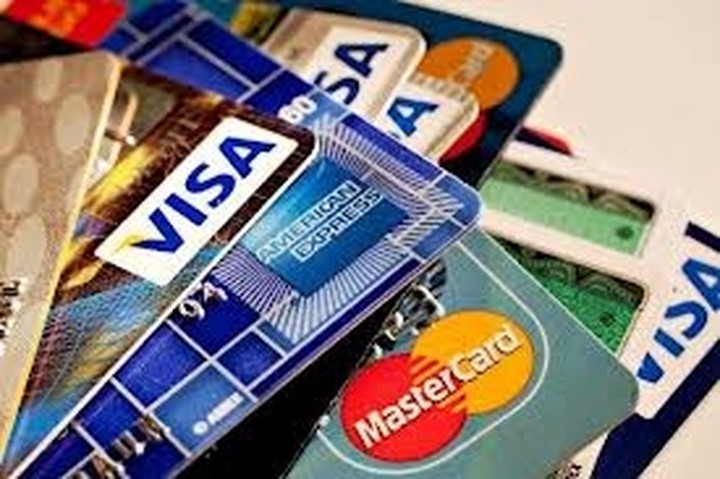 Εως 12 δόσεις η εξόφληση φόρου με πιστωτικές κάρτες