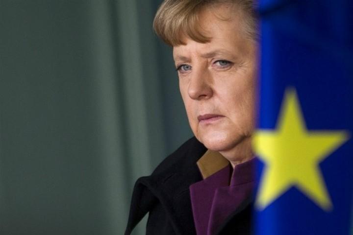 """ΝΥΤ: Η Ελλάδα """"βαρίδι"""" για την προεκλογική εκστρατεία της Merkel"""