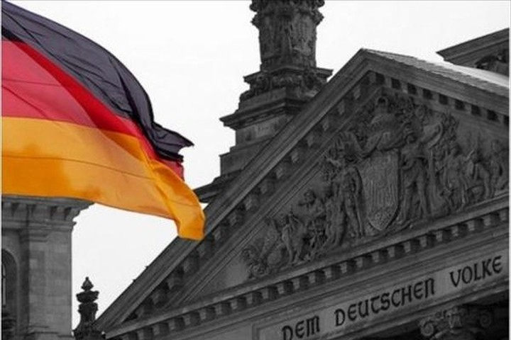 SPD: Η Ελλάδα χρειάζεται 77 δισ. ευρώ μέχρι το 2020