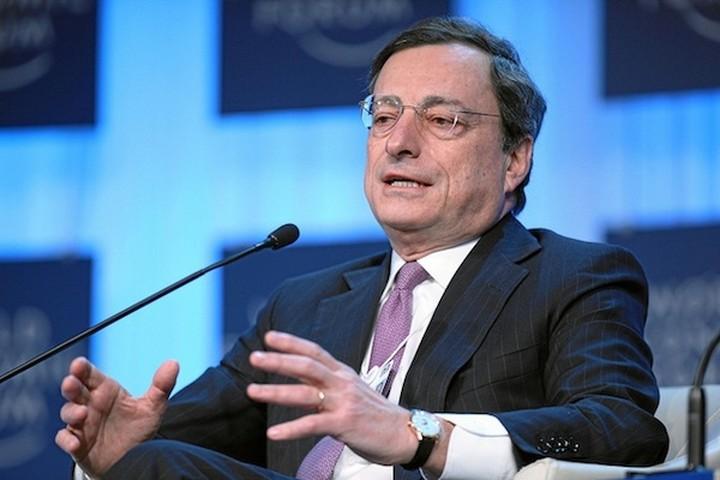 Εύθραυστη η ανάκαμψη στην Ευρωζώνη, δηλώνει ο Μάριο Ντράγκι