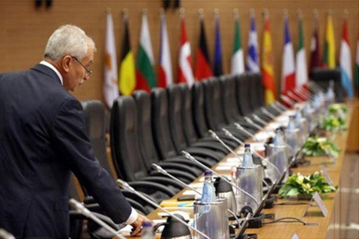 Στην Αθήνα ο πρόεδρος του Euro Working Group στις 14Οκτωβρίου